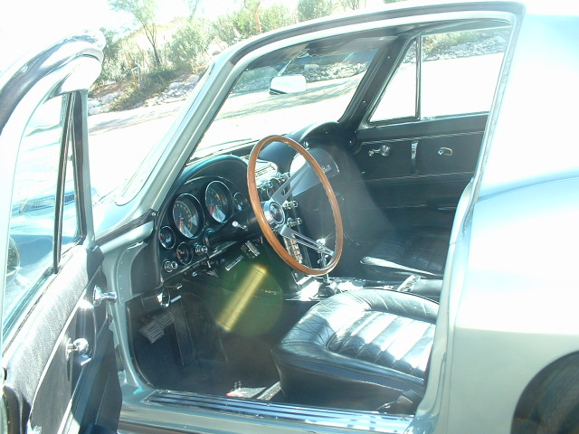 1966 CHEVROLET CORVETTE 2 DOOR COUPE - Interior - 170027