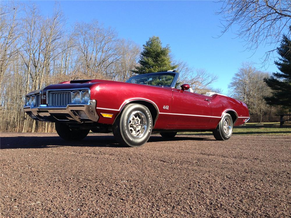 1970 OLDSMOBILE 442 CONVERTIBLE - Front 3/4 - 170030