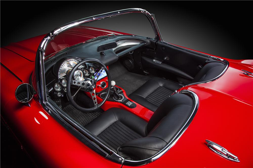 1962 CHEVROLET CORVETTE CUSTOM CONVERTIBLE - Interior - 170033