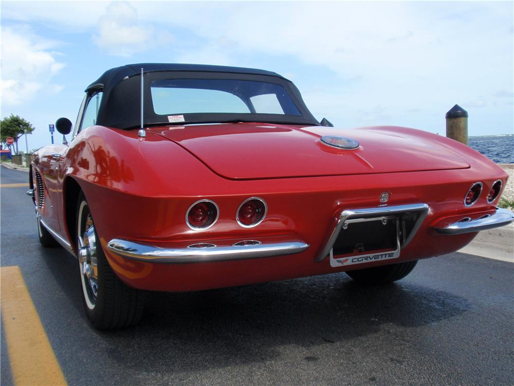 1962 CHEVROLET CORVETTE CONVERTIBLE - Rear 3/4 - 170034