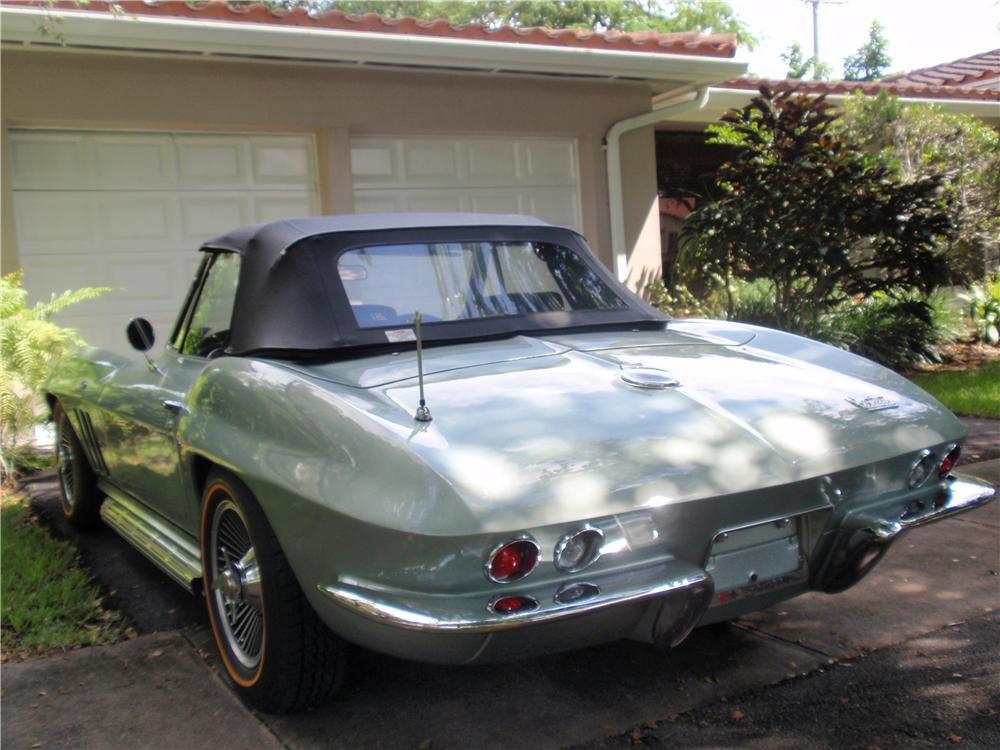 1966 CHEVROLET CORVETTE CONVERTIBLE - Rear 3/4 - 170036