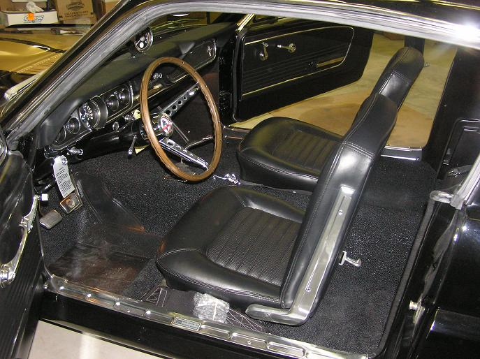 1966 SHELBY GT350 H FASTBACK - Interior - 170044