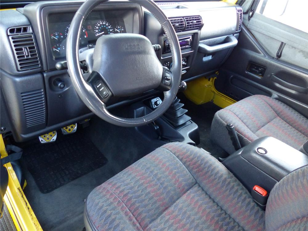 2000 JEEP WRANGLER CUSTOM SUV - Interior - 170047