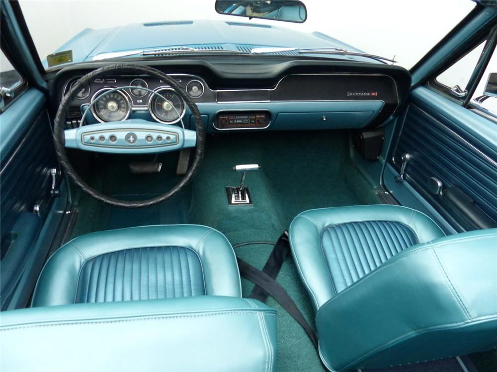 1968 FORD MUSTANG CONVERTIBLE - Interior - 170051