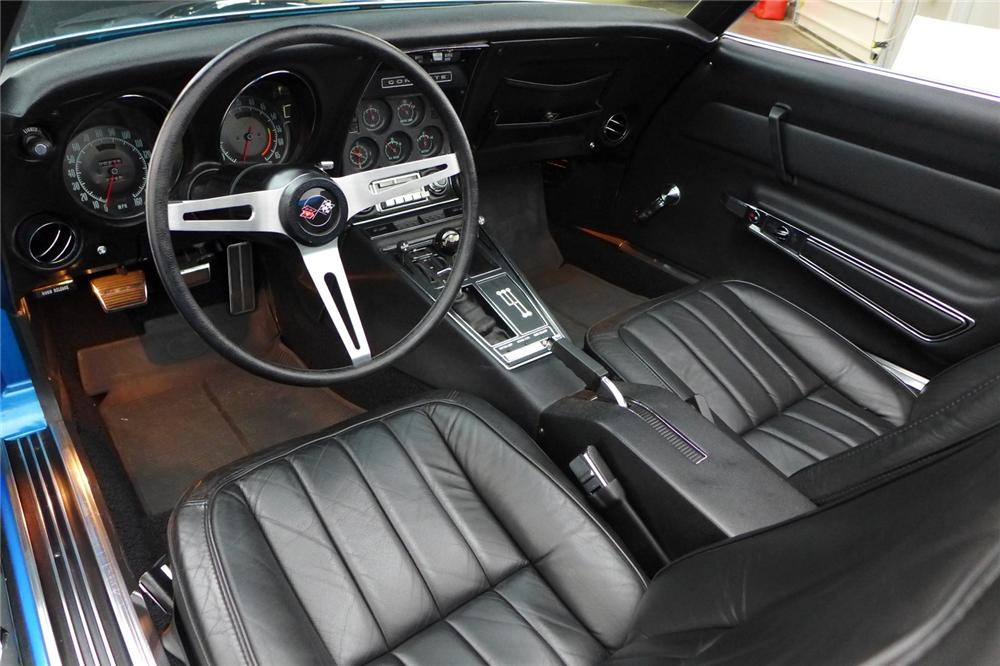 1969 CHEVROLET CORVETTE CONVERTIBLE - Interior - 170061