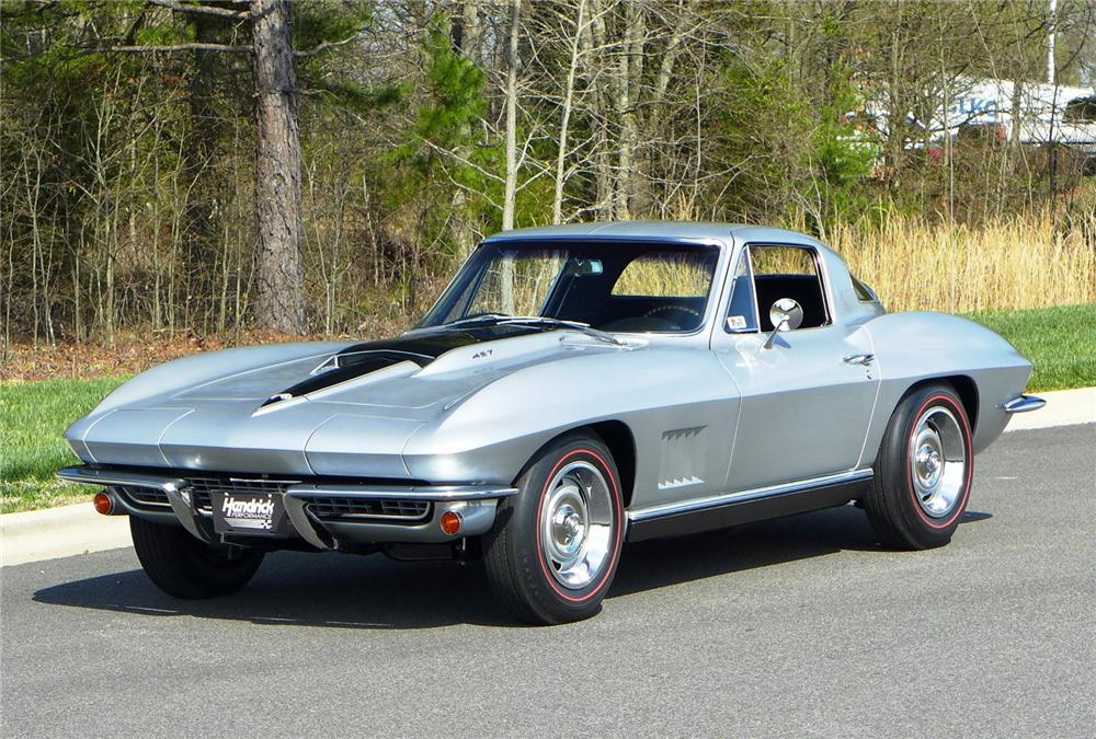 1967 CHEVROLET CORVETTE 2 DOOR COUPE - Front 3/4 - 170064