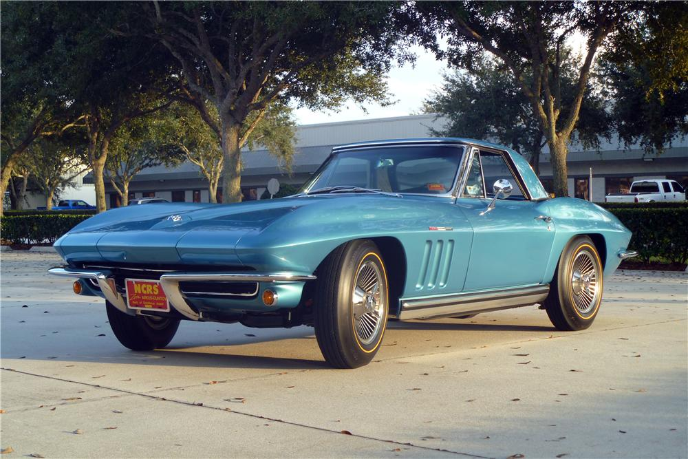 1965 CHEVROLET CORVETTE CONVERTIBLE - Front 3/4 - 170065