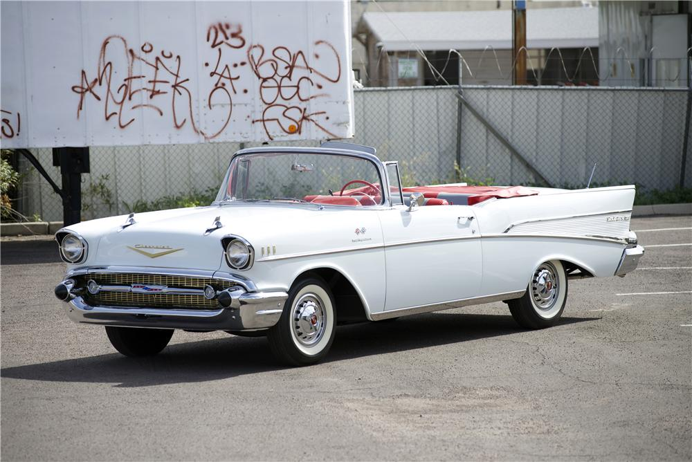 1957 CHEVROLET BEL AIR CONVERTIBLE - Front 3/4 - 170068