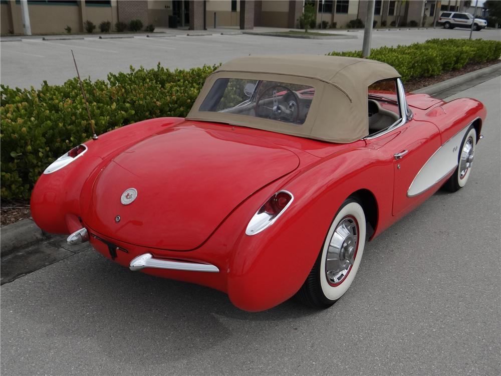 1956 CHEVROLET CORVETTE CONVERTIBLE - Rear 3/4 - 170072