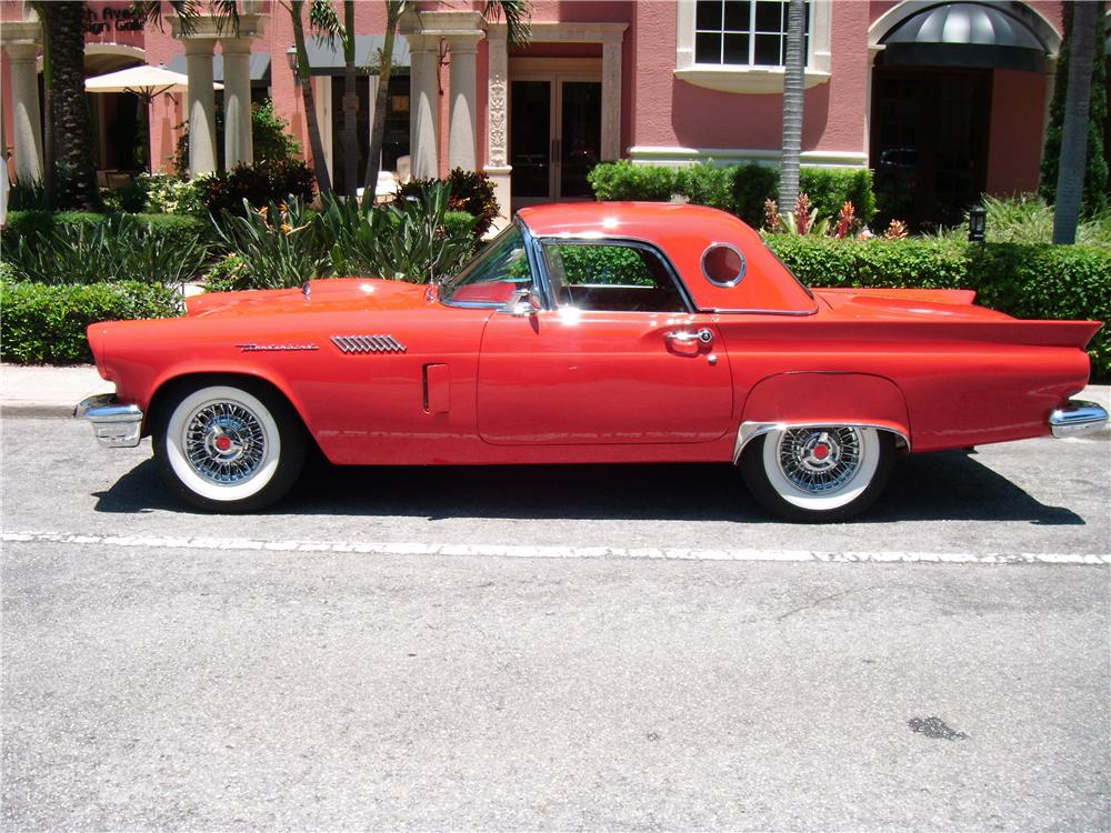 1957 FORD THUNDERBIRD CONVERTIBLE - Side Profile - 170103