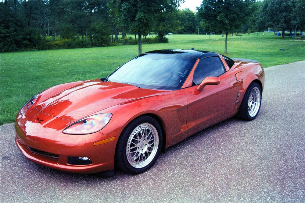 2005 CHEVROLET CORVETTE CUSTOM 2 DOOR COUPE - Front 3/4 - 170130