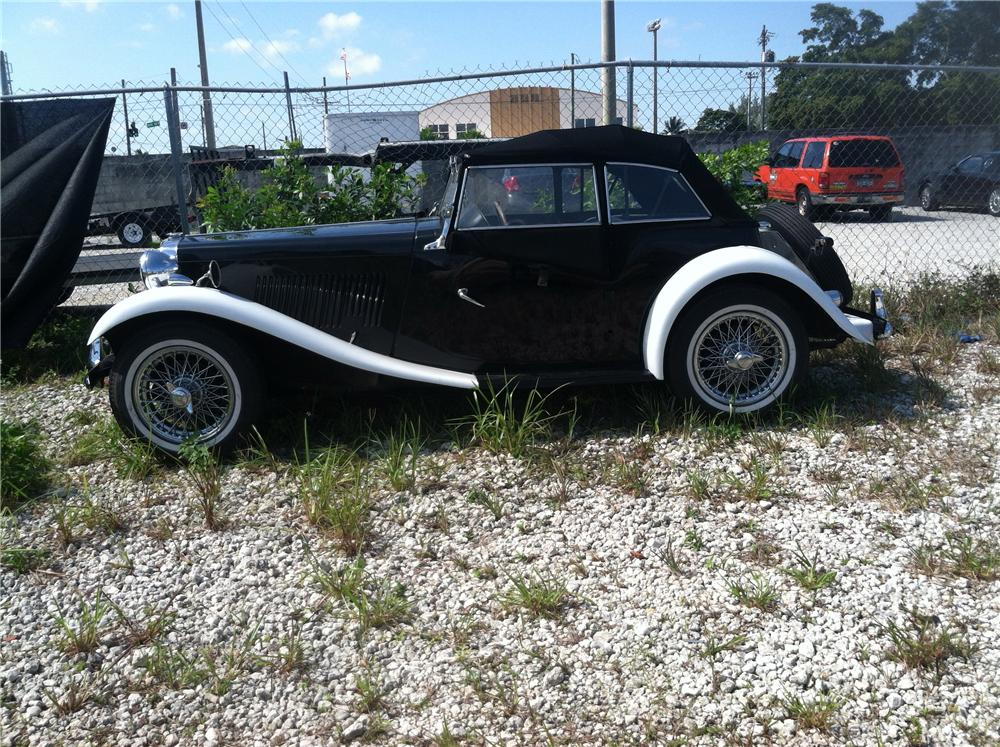 1953 MG TD ROADSTER - Front 3/4 - 170141