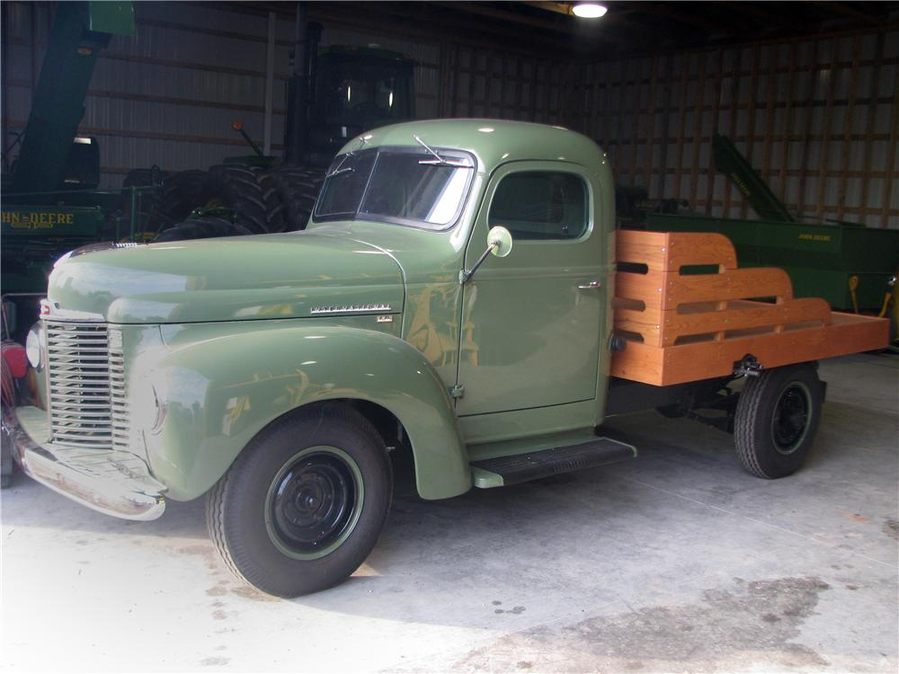 1949 INTERNATIONAL KB3 FLAT BED - Front 3/4 - 170159