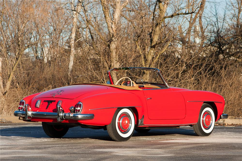 1956 MERCEDES-BENZ 190SL CONVERTIBLE - Rear 3/4 - 170171