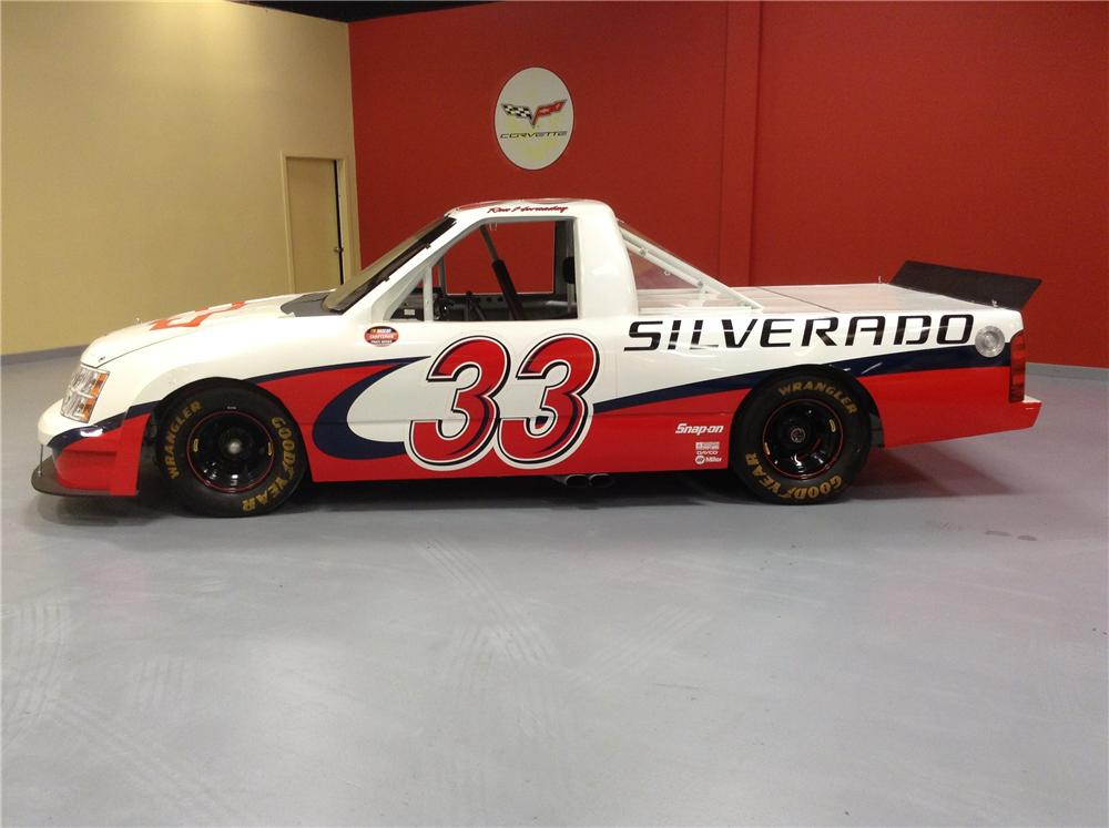 2007 CHEVROLET SILVERADO #33 SHOW RACE TRUCK - Side Profile - 170178