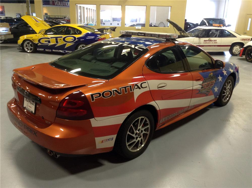 2004 PONTIAC GRAND PRIX DAYTONA 500 PACE CAR - Rear 3/4 - 170179