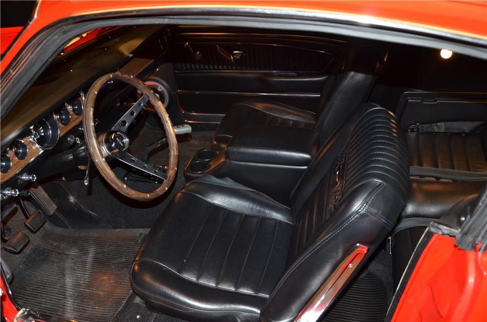 1965 FORD MUSTANG CUSTOM FASTBACK - Interior - 170183