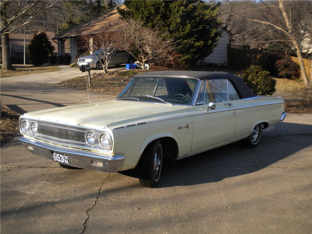 1965 DODGE CORONET 500 CONVERTIBLE - Front 3/4 - 170213