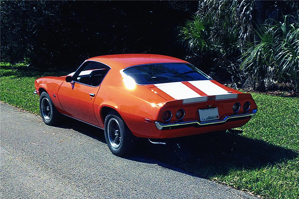 1970 CHEVROLET CAMARO CUSTOM 2 DOOR COUPE - Rear 3/4 - 170214