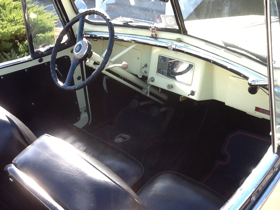 1948 WILLYS JEEPSTER CONVERTIBLE - Interior - 170234