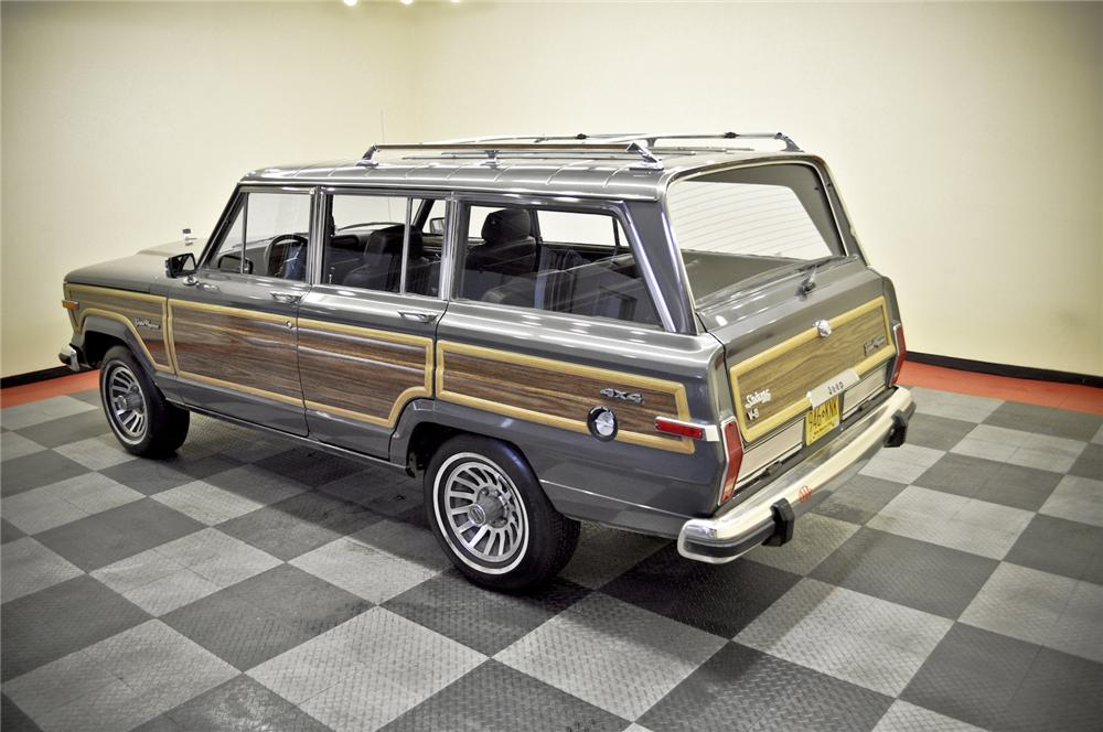 1989 JEEP GRAND WAGONEER SUV - Rear 3/4 - 170235