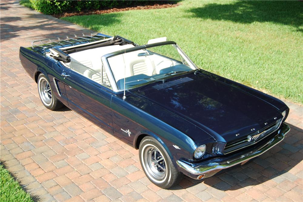 1965 FORD MUSTANG CONVERTIBLE - Front 3/4 - 170237