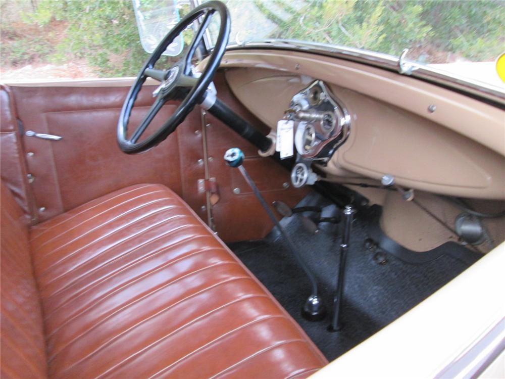 1930 FORD MODEL A ROADSTER - Interior - 170253
