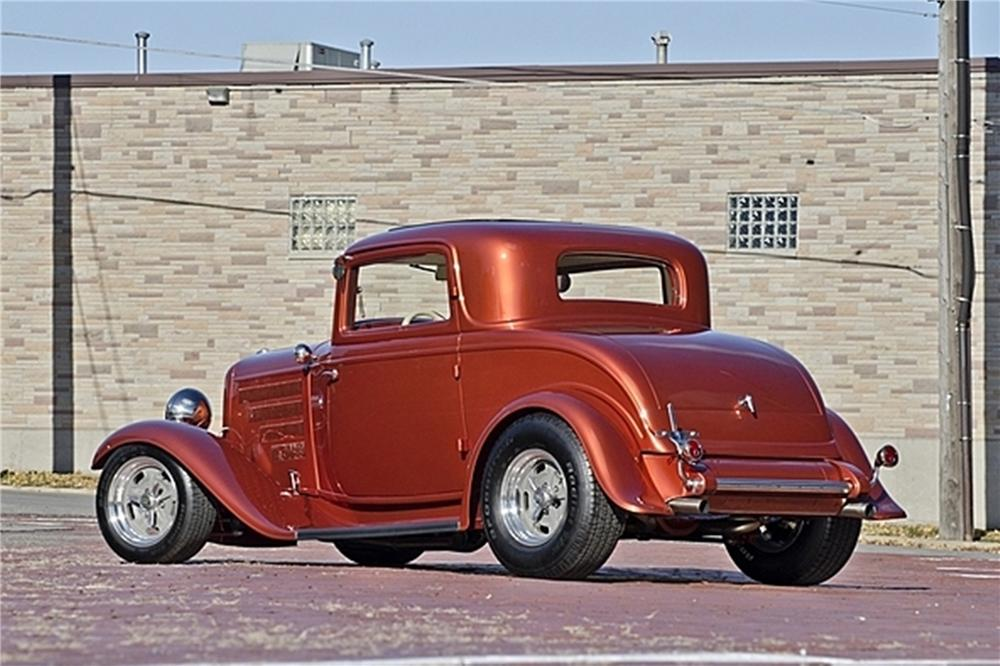 1932 FORD 3 WINDOW CUSTOM COUPE - Rear 3/4 - 170274