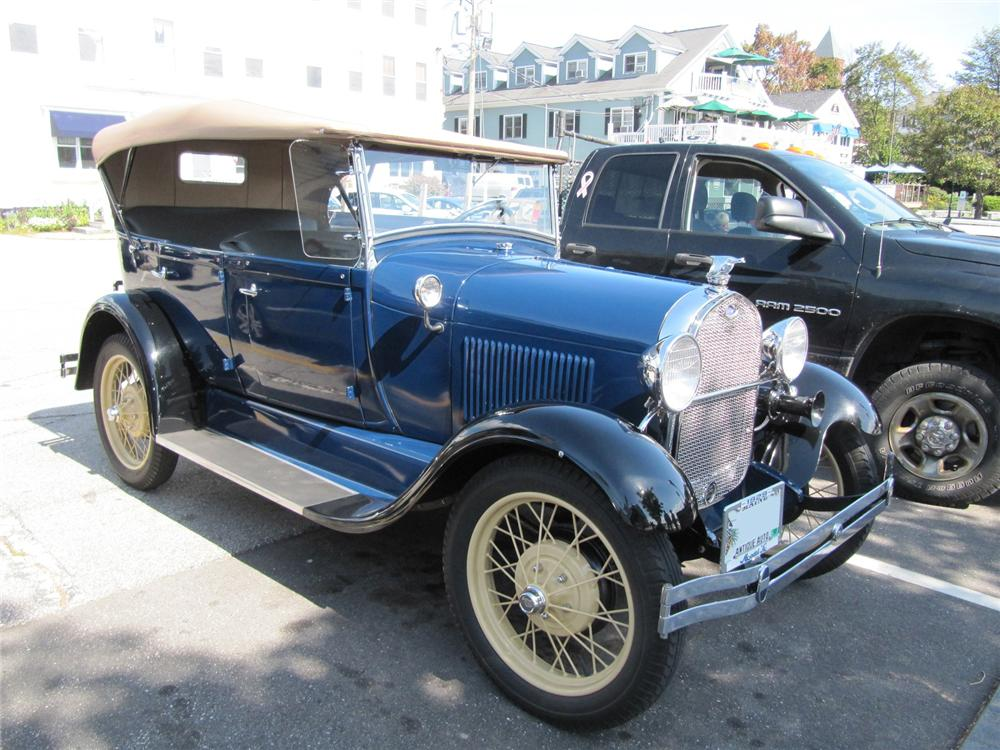 1929 FORD MODEL A PHAETON - Front 3/4 - 170294