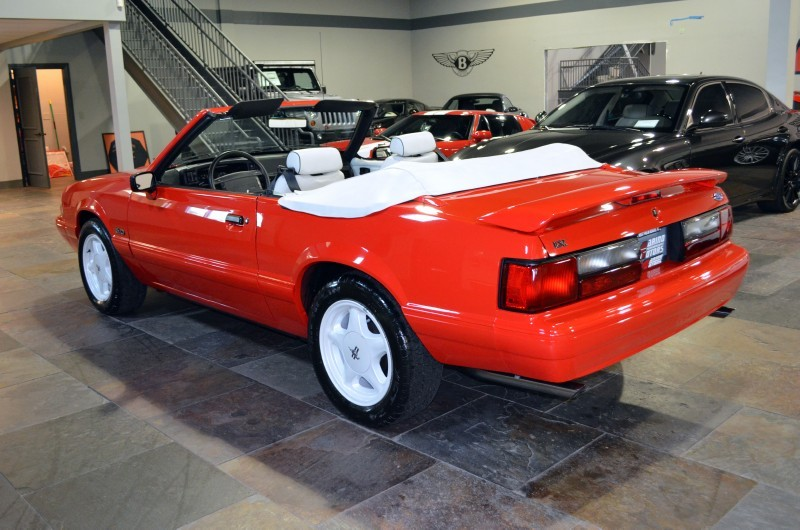 1992 FORD MUSTANG CONVERTIBLE - Rear 3/4 - 170304