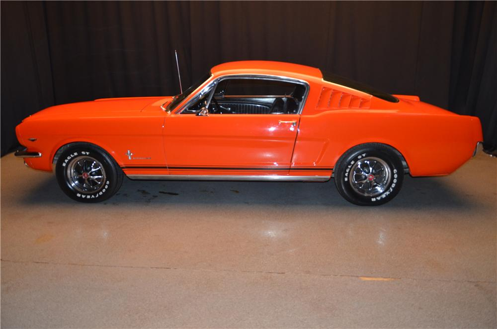 1965 FORD MUSTANG FASTBACK - Side Profile - 170370