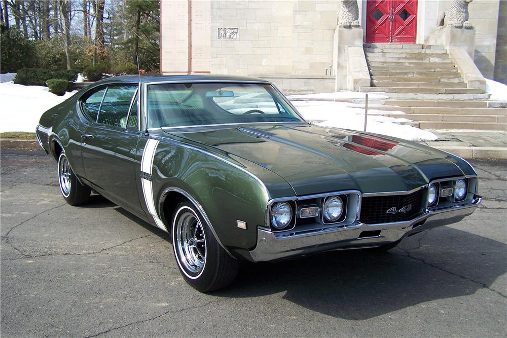 1968 OLDSMOBILE 442 2 DOOR COUPE - Front 3/4 - 170395