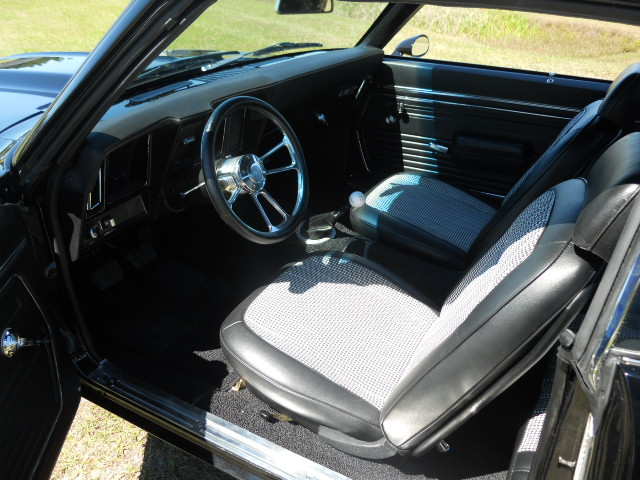 1969 CHEVROLET CAMARO CUSTOM 2 DOOR - Interior - 170400