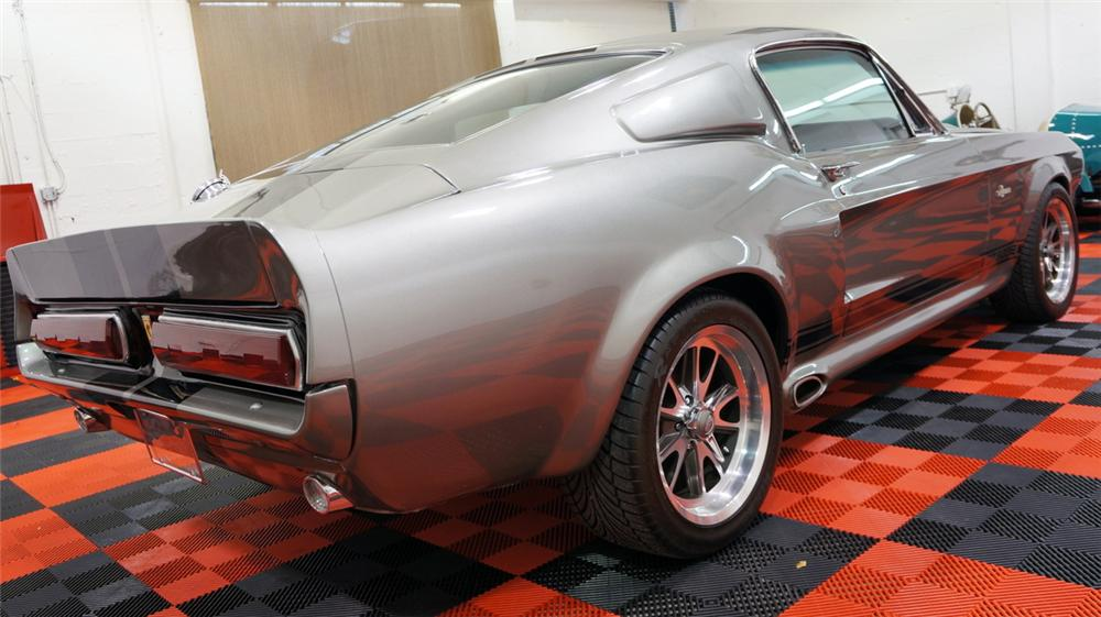 1967 FORD MUSTANG CUSTOM FASTBACK - Rear 3/4 - 170411