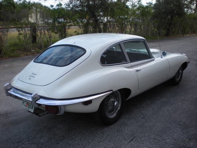 1970 JAGUAR XKE SERIES II 2 DOOR COUPE - Rear 3/4 - 170432