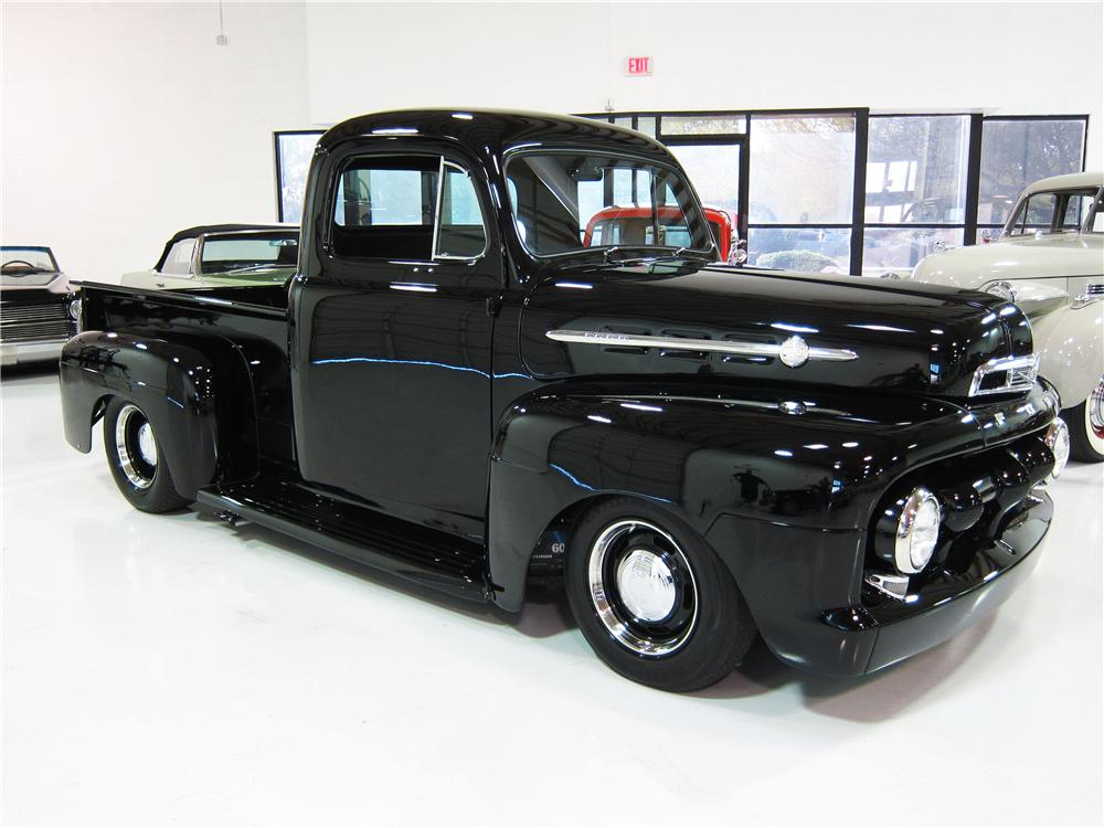 1952 FORD F-2 CUSTOM PICKUP - Front 3/4 - 170451