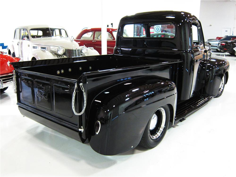 1952 FORD F-2 CUSTOM PICKUP - Rear 3/4 - 170451