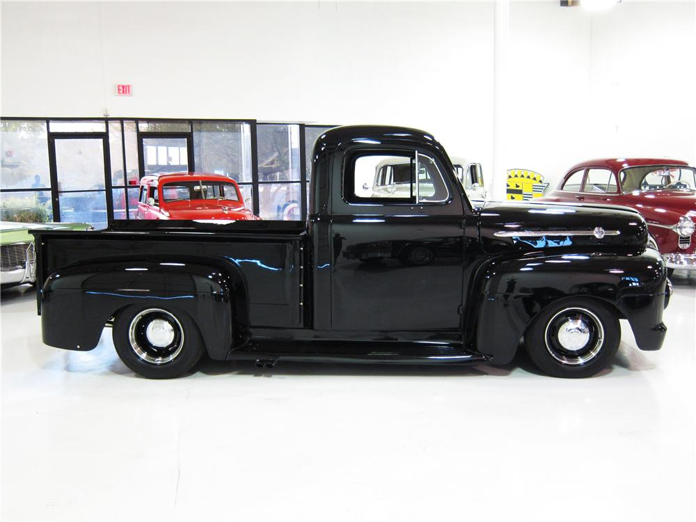 1952 FORD F-2 CUSTOM PICKUP - Side Profile - 170451