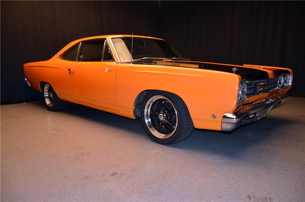 1968 PLYMOUTH ROAD RUNNER CUSTOM 2 DOOR HARDTOP - Front 3/4 - 170627