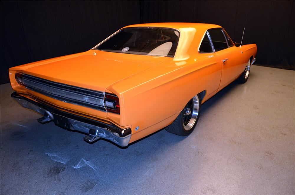 1968 PLYMOUTH ROAD RUNNER CUSTOM 2 DOOR HARDTOP - Rear 3/4 - 170627