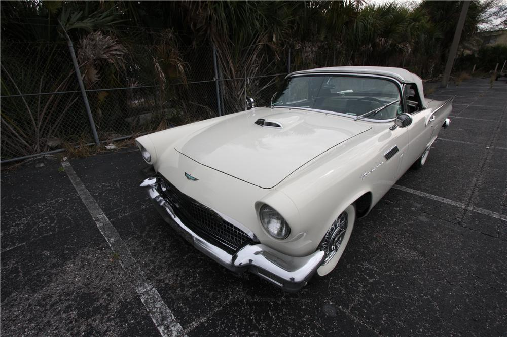 1957 FORD THUNDERBIRD CONVERTIBLE - Front 3/4 - 170628