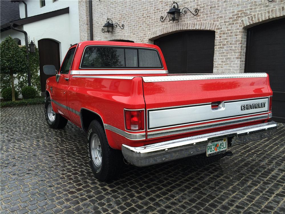 1985 CHEVROLET SILVERADO PICKUP - Rear 3/4 - 170630