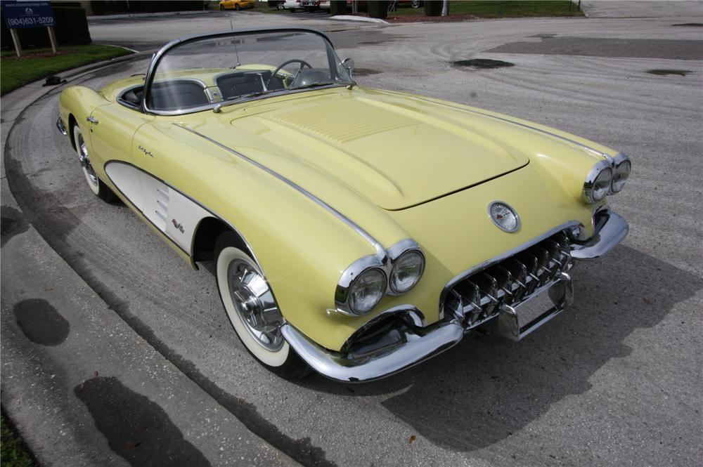 1958 CHEVROLET CORVETTE CONVERTIBLE - Front 3/4 - 170631