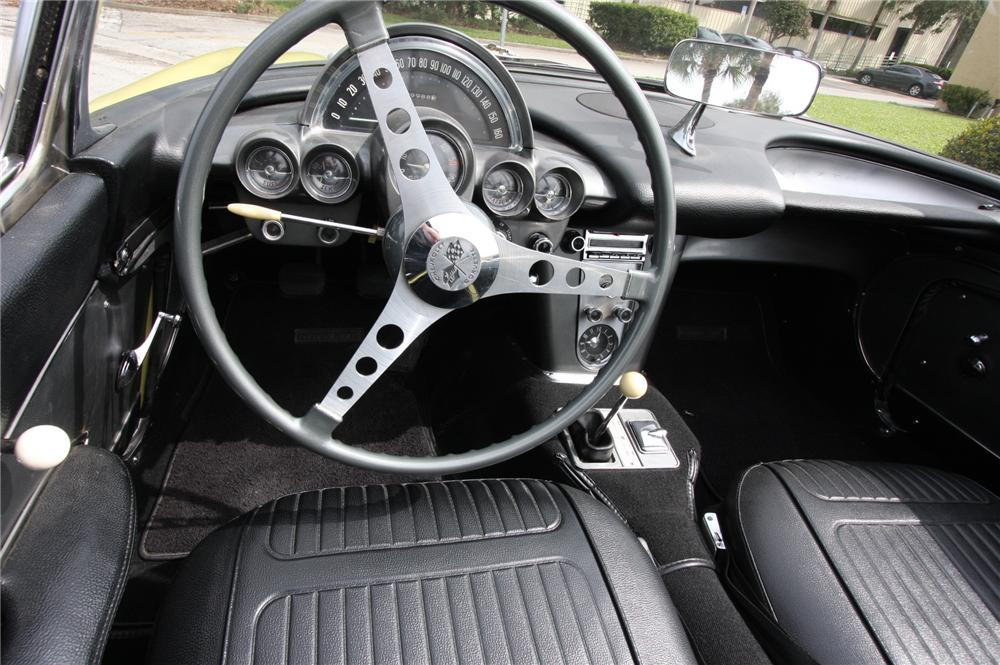 1958 CHEVROLET CORVETTE CONVERTIBLE - Interior - 170631