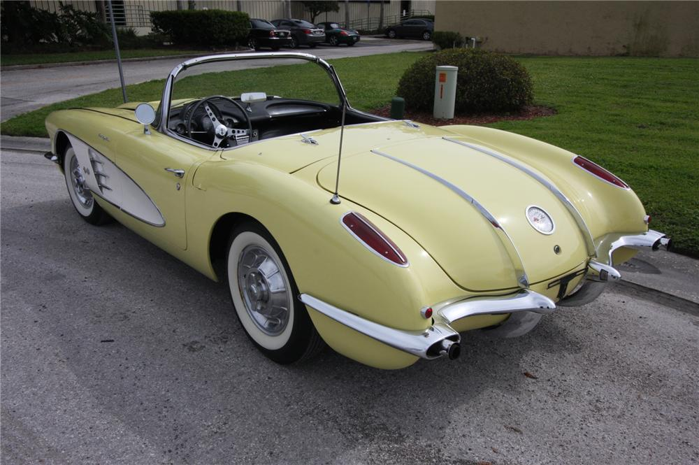 1958 CHEVROLET CORVETTE CONVERTIBLE - Rear 3/4 - 170631