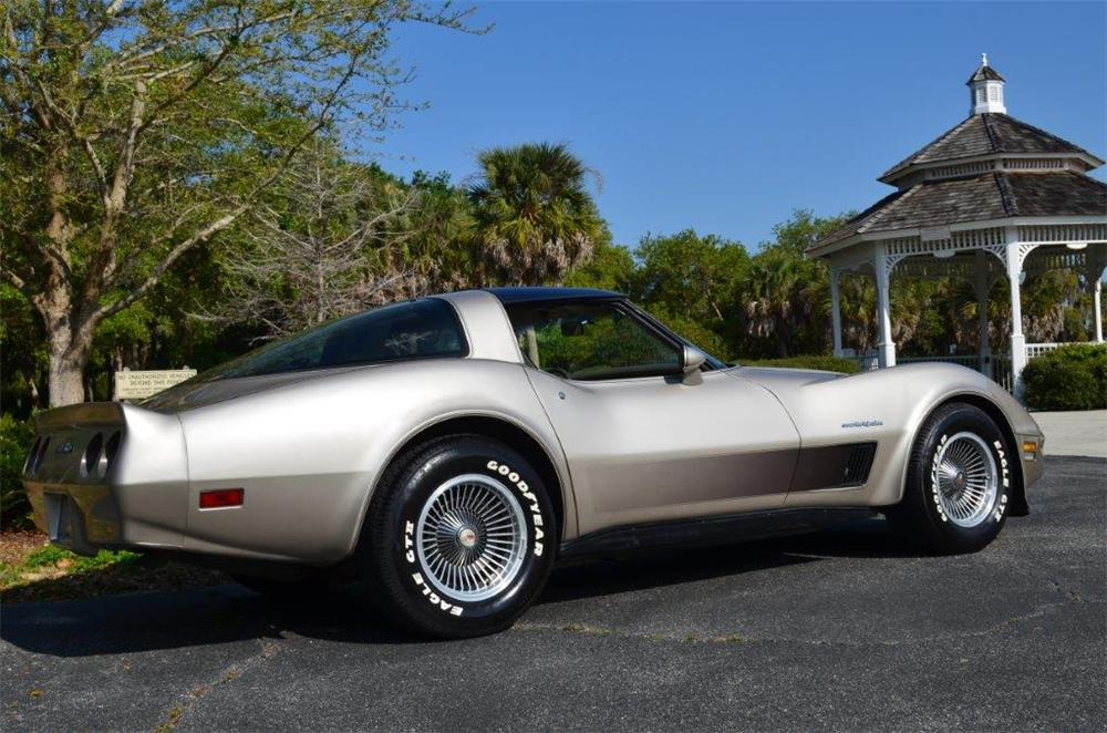 1982 CHEVROLET CORVETTE 2 DOOR COUPE - Rear 3/4 - 170701