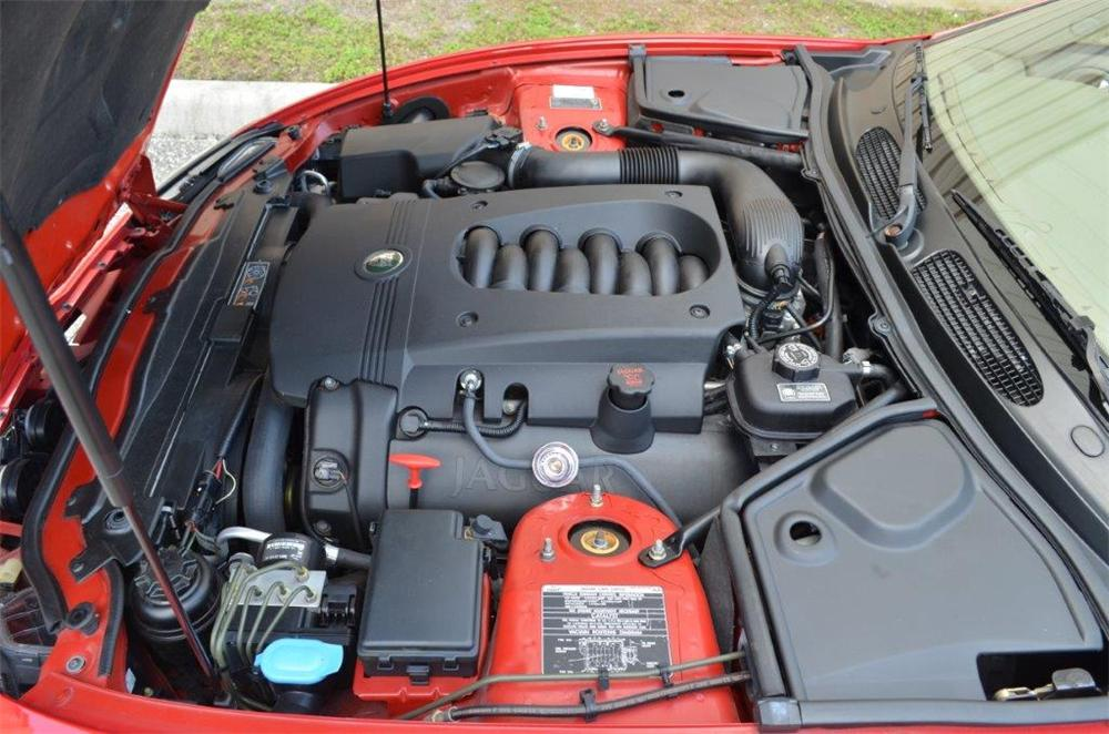 2005 JAGUAR XK8 CONVERTIBLE - Engine - 170702