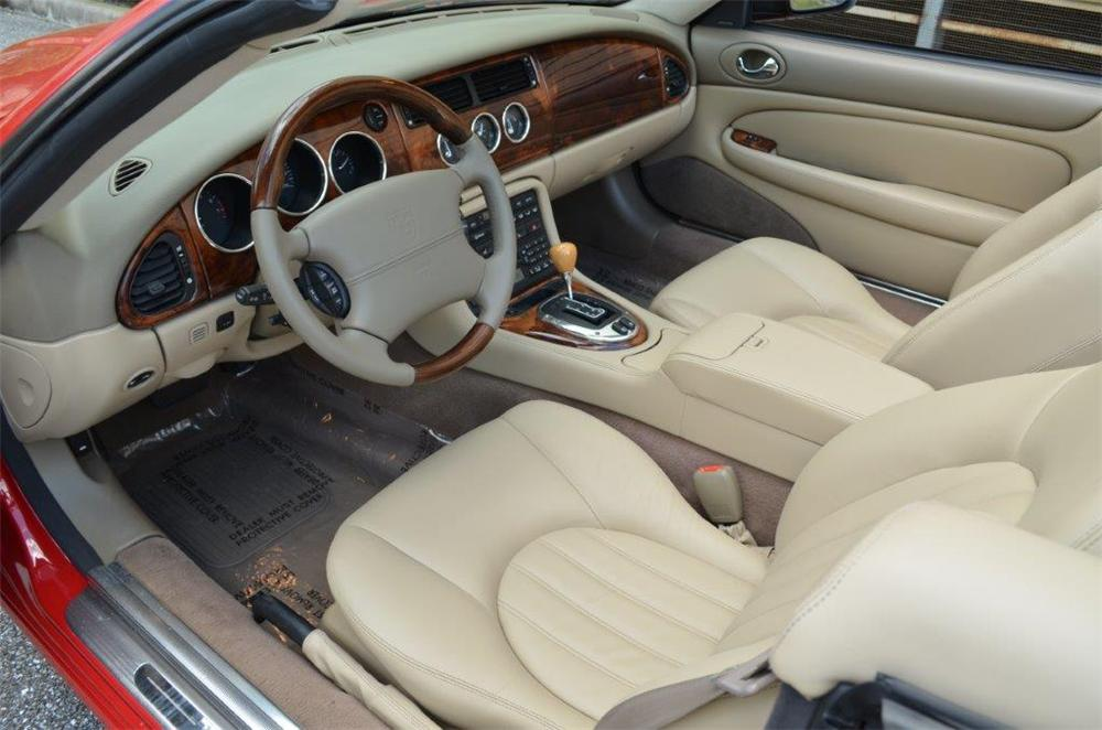 2005 JAGUAR XK8 CONVERTIBLE - Interior - 170702