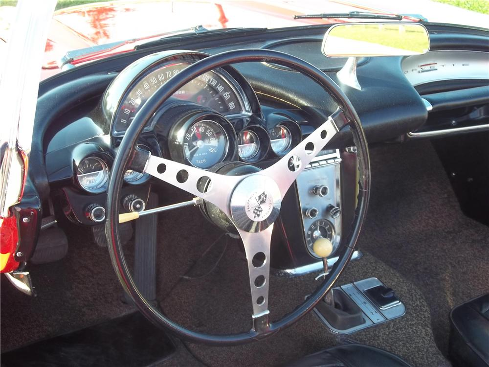 1960 CHEVROLET CORVETTE CONVERTIBLE - Interior - 170705