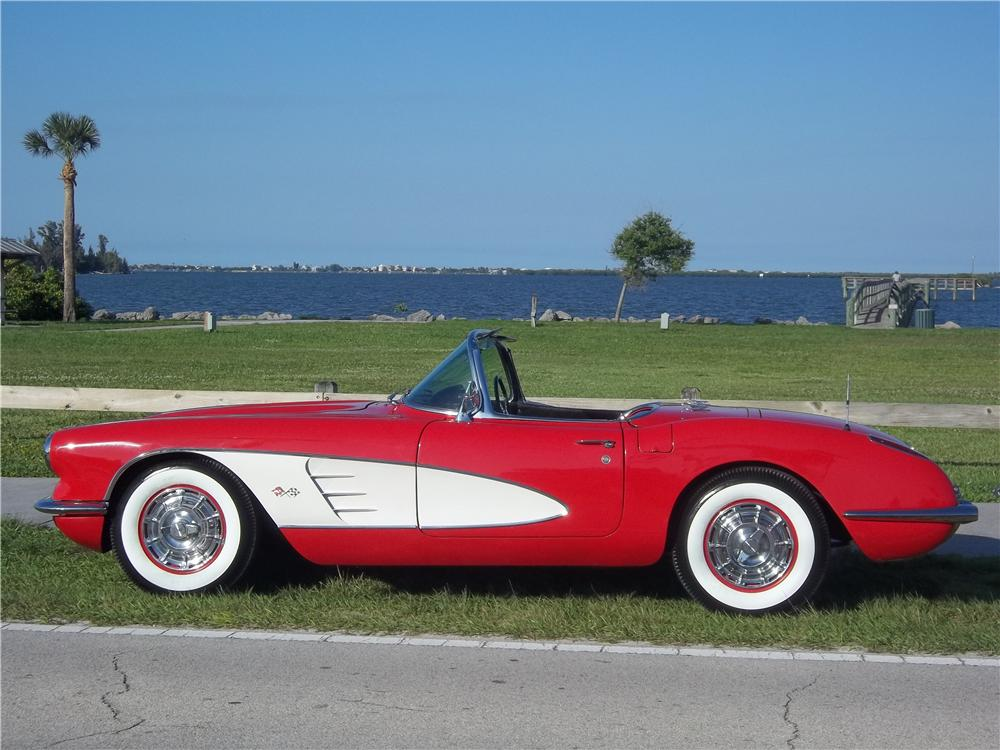 1960 CHEVROLET CORVETTE CONVERTIBLE - Side Profile - 170705